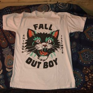 retro Tops - Retro cat face Fallout Boy t-shirt. Size S